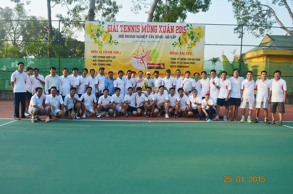 cac-thanh-vien-tham-gia-giai-tennis-mung-xuan-2015