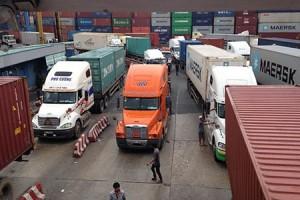 Shipment jam retention in port