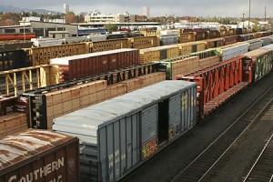 Chi phí đường sắt cao, chủ hàng có còn lựa chọn